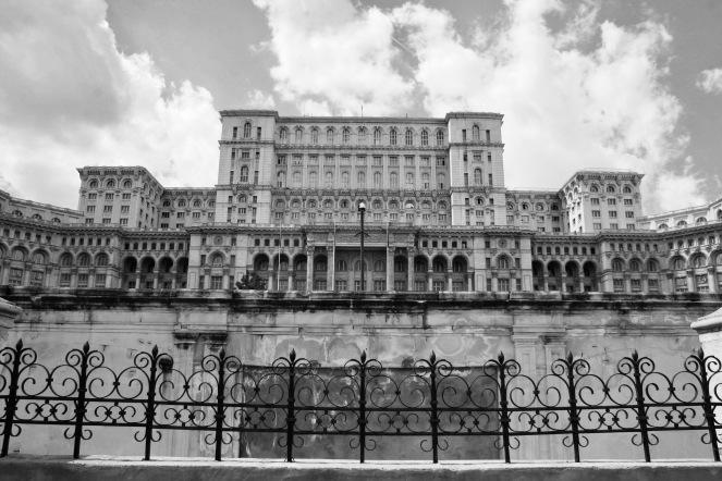 Palast: größtes Regierungsgebäude weltweit