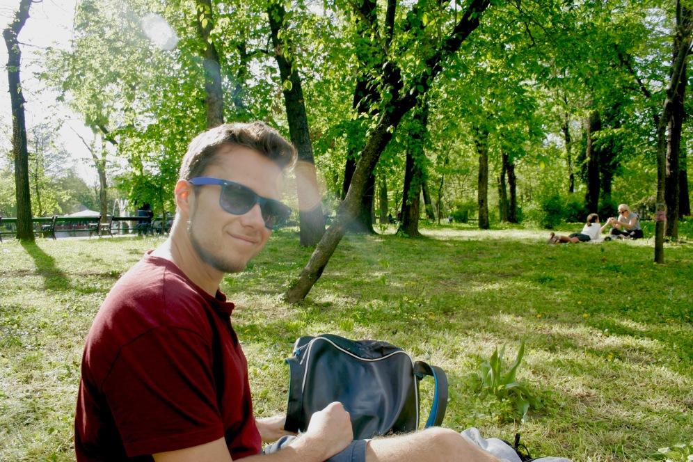 Cismigiu Park: nach langem Spaziergang die letzten Sonnenstrahlen genießen