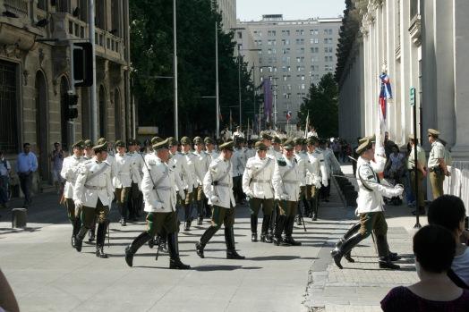 Marsch durch die Stadt Santiago de Chile