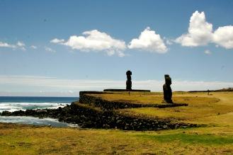 Moai – die kolossalen Steinstatuen direkt am Meer