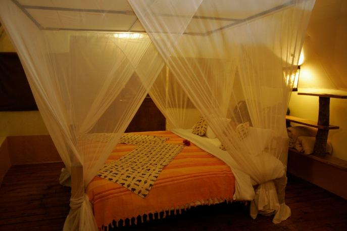 Karama Lodge: Himmelbett