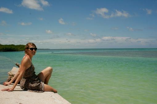 Jasmin im Chillmodus auf Caye Caulker