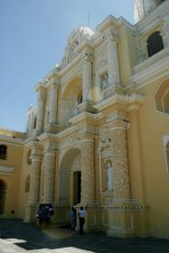 Antigua: Kirche