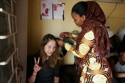 Typisch afrikanische Haare mit Rastas