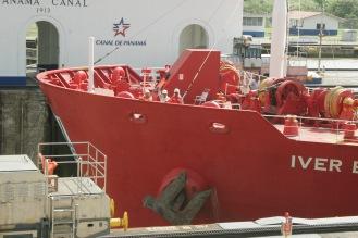 Panamakanal mit riesigen Containerschiffen