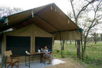 Ausruhen in unserem Kati Kati in der Serengeti