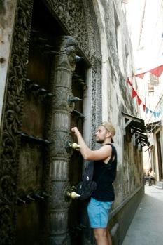 Massive Türen in Stone Town