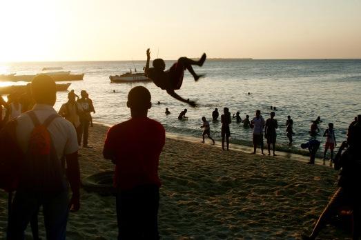 Akrobaten bei der Livingstone Bar