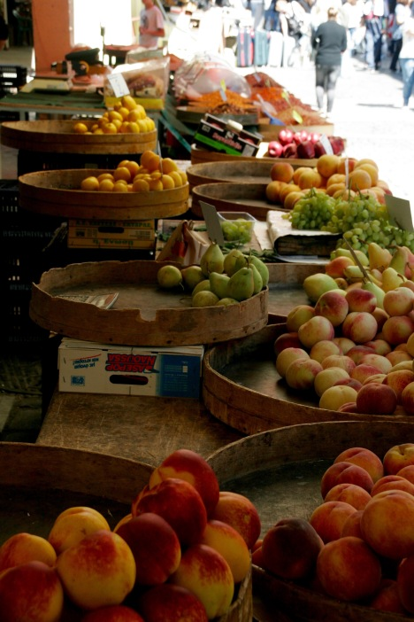 Obst beim Kapani Markt