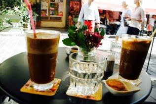 Kaffeepause in der Altstadt Ladadika