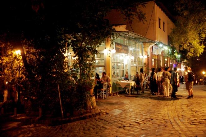 Thessaloniki Taverne am Abend