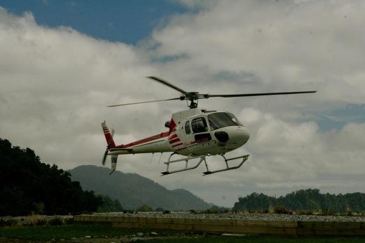 Gleich geht's in den Hubschrauber