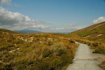Flacher Weg am Anfang beim Tongariro Crossing