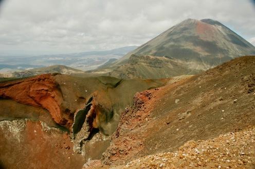 Roter Krater & der Ngauruhoe Vulkan
