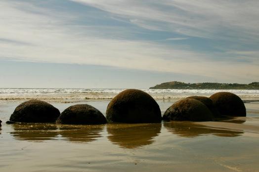Moeraki Boulders - seltsame Felsformationen