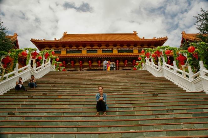 Jasmin vor dem Nan Tien Tempel