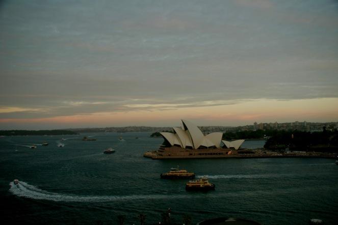 Blick auf das Opera House bei Sonnenuntergang
