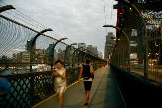 Abendlicher Spaziergang über die Harbor Bridge
