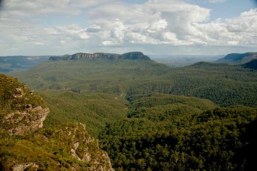 Blick über die Blue Mountains nach einem starken Regenguss