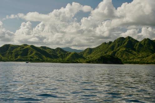 Komodo Islands wunderschöne Hügellandschaft
