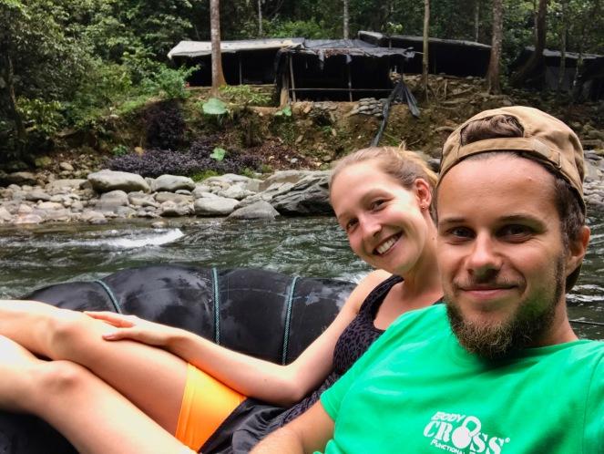 Los geht die Rafting Tour durch den Dschungel