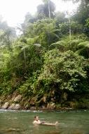 Schwimmen im kalten Fluss im Dschungelcamp