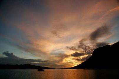 Sonnenaufgang 6 Uhr im Komodo Nationalpark