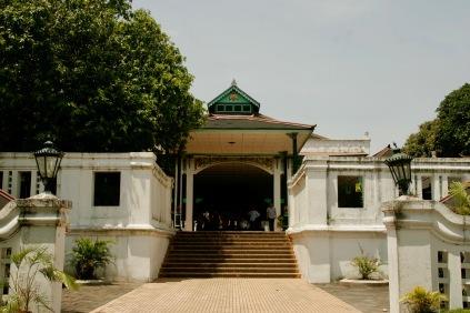 Terrasse vorm Sultanspalast in Yogjakarta