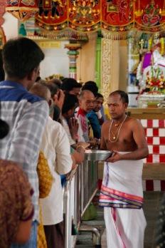 Geschehen im Tempel beobachten