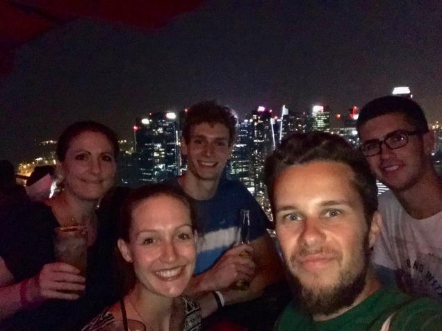 Gruppenselfie in der Ce La Vi Bar