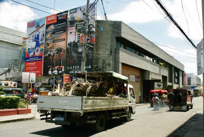 Winkende Filipinos in Cebu City