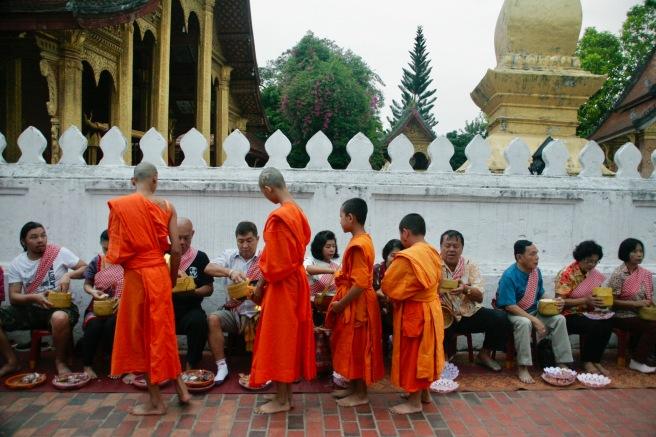 Almosengang der Mönche in Luang Prabang