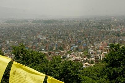 Auf dem Swayambhunath mit Blick über die Stadt