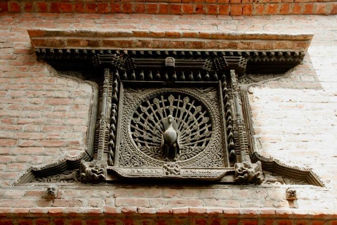 Berühmtes Pfauenfenster in Bhaktapur