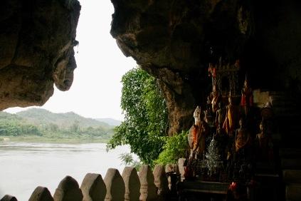 Blick aus Pak Ou auf den Mekong