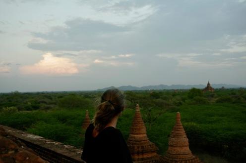 Blick über Bagan von einem der namenlosen Tempel
