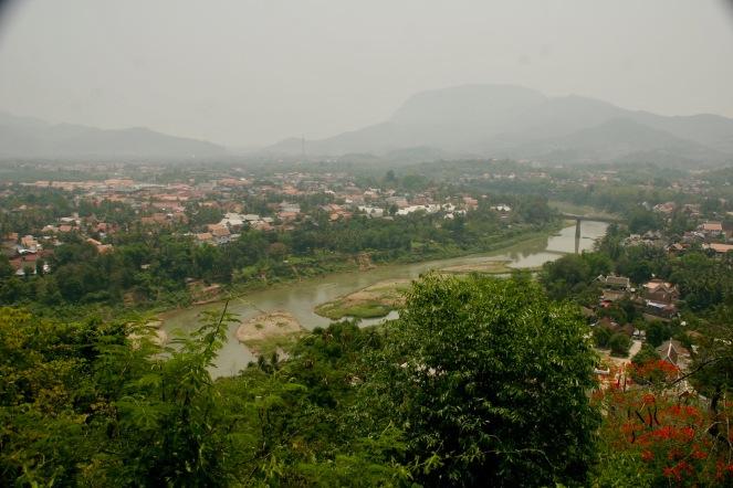 Blick über Luang Prabang und den Nam Khan vom Phou Si