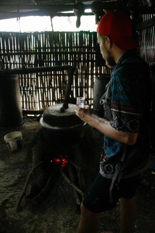 Burmesischer Reisschnaps in Kaung Daing