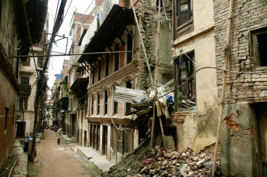 Überbleibsel des Erdbebens von April 2015