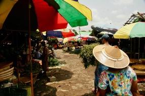 Danyinkone Butar Market - Unmengen an Ständen und ein fast unerträglicher Geruch