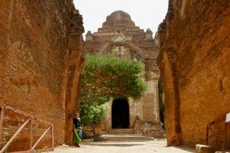 Dhammayangyi Pahto von außen