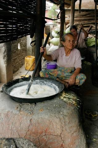 Einkochen von Sojabohnen für Tofu