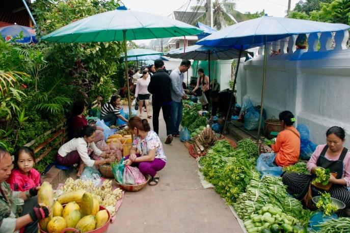 Frisches Obst und Gemüse in Luang Prabang