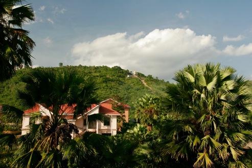 Golden Rock Pagode von unserem Hotel in Kinpun