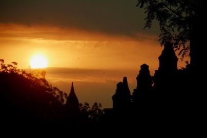 Morgens kurz vor 6 Uhr in Bagan