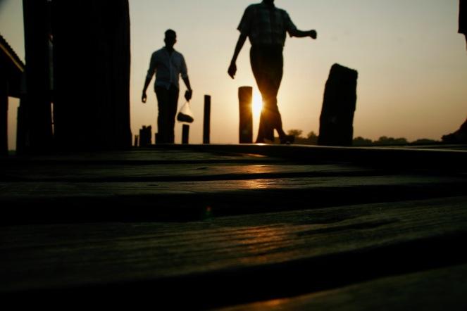 Sonnenuntergang auf der U Bein Brücke