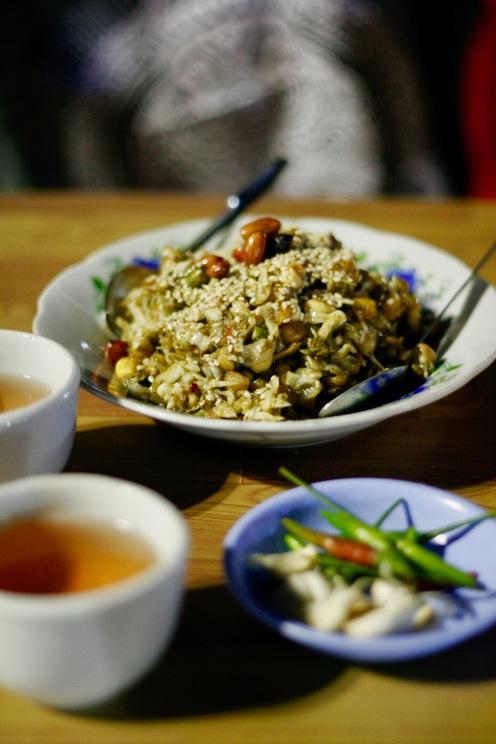 Tea Leaf Salad auf dem Night Market in Nyaung Shwe