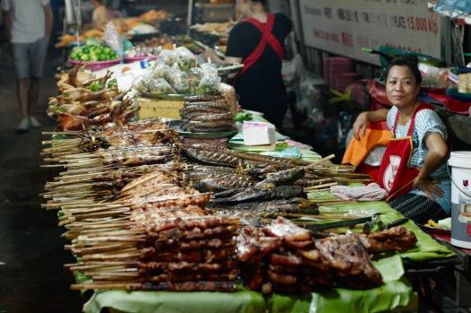 Verkaufsstände beim Luang Prabang Nachtmarkt