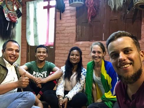 Zu Besuch bei einer nepalesischen Familie, die uns Unterschlupf bot