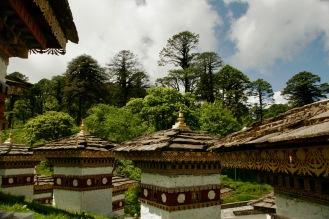 108 Druk Wangyal Chortens beim Dochula Pass
